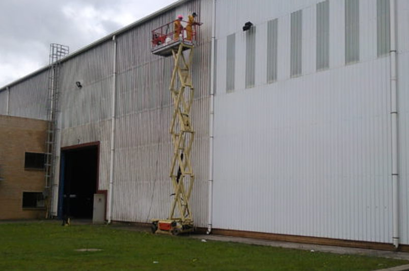 Pressure Washing Metal Commercial Building Chicago, IL